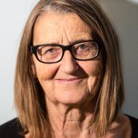 Margret Huber, Lehrerin Es muss sich endlich etwas tun in Uetikon. Darum bin ich in der Lobby.